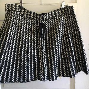 Black and white shirt skirt